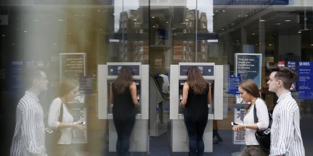 Pour l'heure, RBS a mis en réserve 1,9 milliard de livres (2,7 milliards d'euros) pour régler ces litiges liés à la vente de quelque 32 milliards de dollars de MBS aux Etats-Unis.