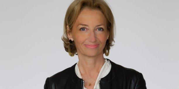 Mylène Villanove, conseillère municipale de la Ville de Bordeaux, déléguée auprès d'Alain Juppé aux Relations institutionnelles avec les territoires ;   conseillère métropolitaine à Bordeaux Métropole.