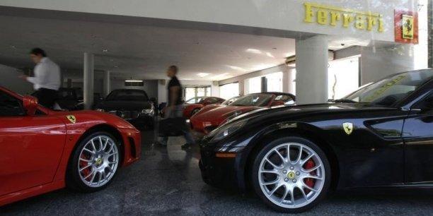 La séparation et l'entrée en Bourse de la marque Ferrari avaient été annoncées en octobre par FCA.