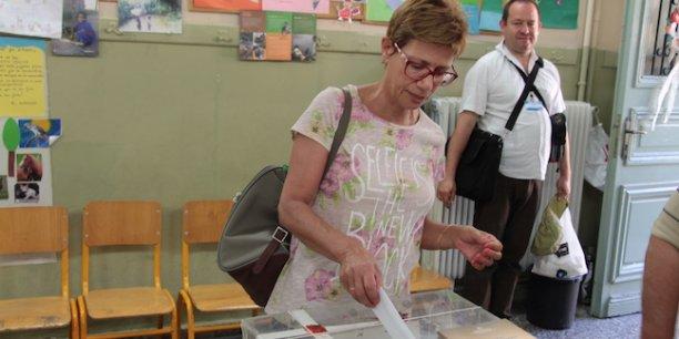 Davantage qu'un oui ou un non, ce sont deux visions de l'Union européenne qui s'expriment ce jour, dans cette école transformée en salle de vote, à proximité de la place Syntagma, dans la rue touristique Andrianou.