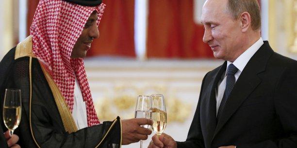 Vladimir Poutine Recevait Lambassadeur Darabie Saoudite Abdulrahman Al Rassi Au Kremlin