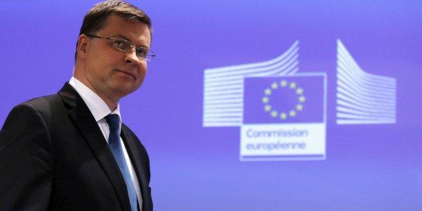 Pour Valdis Dombrovskis, le vice-président de la Commission Européenne en charge de l'euro, un « Grexit » n'est pas exclut « si la confiance n'est pas restaurée entre Athènes et ses partenaires européens ».