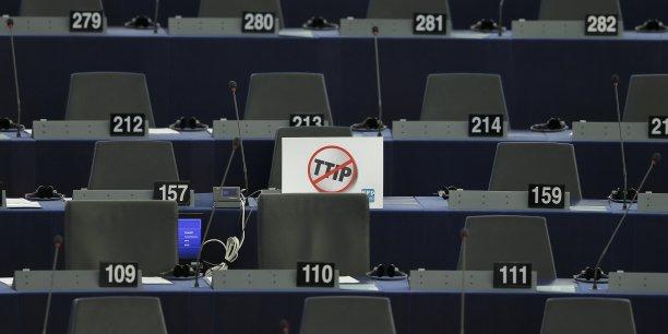 Le Partenariat transatlantique de commerce et d'investissement, dit TTIP, fait l'objet de discussions entre les Etats-Unis et l'UE depuis 2013, et fait l'objet d'une vive opposition de l'opinion publique dans certains pays.