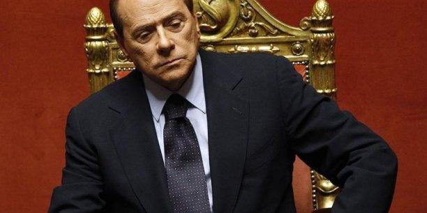 Berlusconi n'exécutera pas la peine car l'infraction de corruption sera prescrite le six novembre prochain, avant le début du procès d'appel.