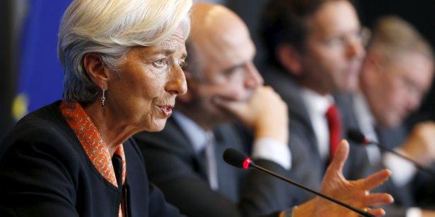 Une restructuration de la dette (...) est selon nous nécessaire dans le cas de la Grèce afin qu'elle ait une dette viable, a déclaré la patronne du FMI, prenant le contre-pied des Européens qui rejettent une telle option pour le moment.
