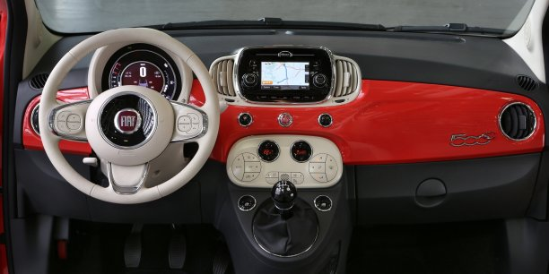 FCA a annoncé le 3 mai qu'il allait fournir une centaine de véhicules spécaisialement adaptés au géant internet américain Alphabet, mon-mère de Google, afin de permettre à ce dernier d'étendre ses tests de voitures autonomes sans chauffeur.