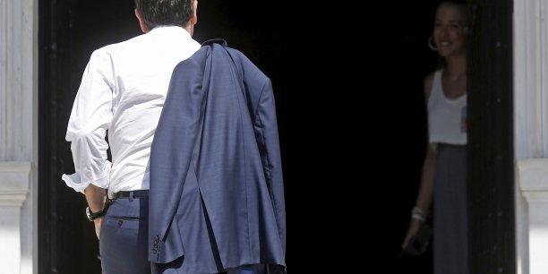 Alexis Tsipras rejoint ce lundi 13 juillet le Palais Maximou (le Matignon grec) après l'annonce d'un accord trouvé in extremis entre les créanciers et Athènes. Plus tôt dans journée, il a assuré que son gouvernement continuera à se battre pour les réformes radicales dont la Grèce a besoin et pour regagner sa souveraineté perdue.