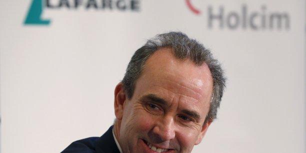 Eric Olsen, directeur général adjoint des opérations du français Lafarge, devient le premier directeur général à la tête de LafargeHolcim.