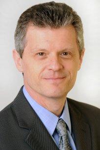Thierry Guillemin voit dans les avions, les bateaux de croisière et les voitures connectées, d'importants marchés pour les satellites de télécommunication.