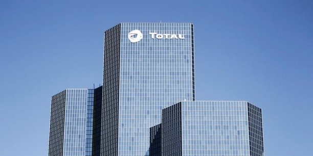 Total est parvenu à limiter le repli de son bénéfice net, et ce malgré l'effondrement des cours du pétrole.