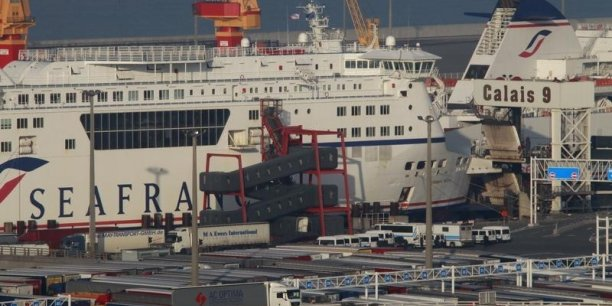 Le gouvernement avait soumis la semaine dernière un texte prévoyant notamment la liquidation de la Scop SeaFrance, la création d'une nouvelle Scop exploitant un seul navire et la reprise au total de 380 salariés sur 487.