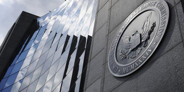 Une certaine flexibilité a été accordée aux entreprises pour établir ce ratio, notamment en choisissant la date de référence pour calculer le salaire médian de leurs salariés, a indiqué la présidente de la SEC Mary Jo White.