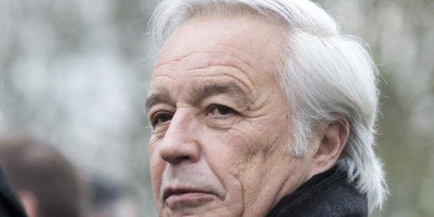 Il y a un immense quiproquo: je n'ai jamais envisagé de cumuler les charges de maire de Dijon et de ministre du Travail (...) Je sais très bien qu'on ne peut pas faire les deux et je ne l'ai jamais envisagé, a déclaré François Rebsamen.