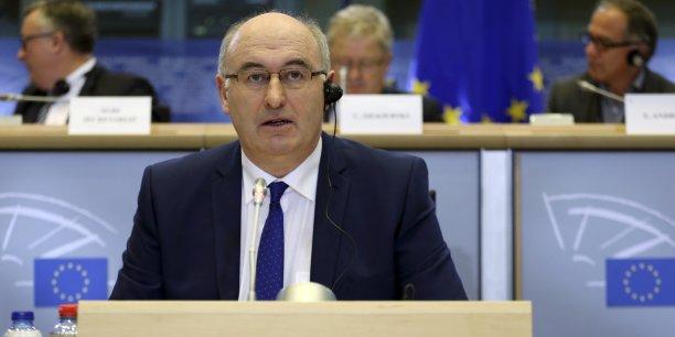 Le commissaire européen à l'Agriculture Phil Hogan a expliqué que cette planification conjointe est rendue possible pour les agriculteurs durant la période printemps-été qui coïncide avec la saison de haute production dans le secteur laitier.
