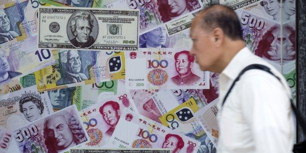 En Chine, à la mi-journée, le yuan reprenait 0,05 centime par rapport au dollar.