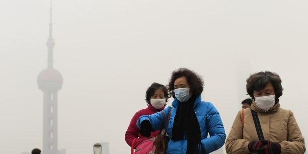 La mauvaise qualité de l'air est responsable de 17% des décès en Chine. Alerté par ce chiffre et le phénomène récurrent du smog, mardi 30 juin, le pays a fait savoir qu'il souhaitait « porter la part de (ses) énergies non fossiles dans la consommation énergétique primaire à environ 20%.