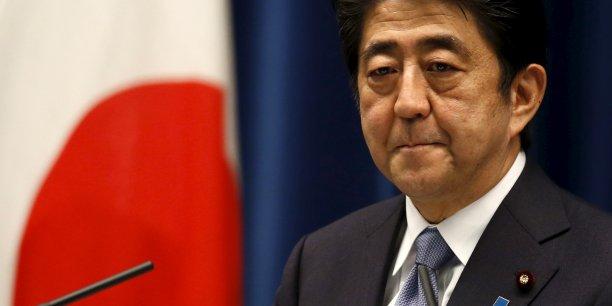 Les Abenomics visent à soutenir l'économie japonaise avec des dépenses budgétaires de plusieurs dizaines de milliards d'euros et un assouplissement de la politique monétaire pour en finir avec vingt ans de déflation.