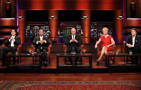 Les cinq jurés de l'émission Shark Tank, qui connaît un succès croissant aux Etats-Unis et qui va donner naissance, en septembre, à un programme dérivé.