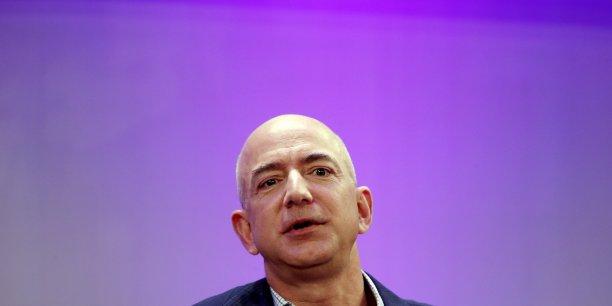 A la tête de 76 milliards de dollars, Jeff Bezos souhaite s'investir dans la philanthropie.