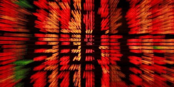 La Bourse de Paris a achevé la séance à -1,75%. L'indice CAC 40 a perdu 87,15 points à 4.884,10 points, dans un volume d'échanges modéré de 3,1 milliards d'euros.