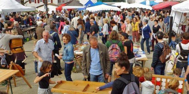 Dans le Pays basque, le village Alternatiba Socoa avait rassemblé en octobre dernier plusieurs milliers de personnes.