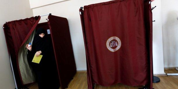 Après les élections du 7 juin, le parti islamo-conservateur de l'AKP, qui règne sans partage depuis 2002, a cherché en vain un partenaire pour gouverner suite à la perte de sa majorité.