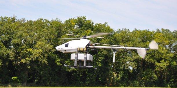 La startup est spécialisée dans l'intégration d'outils de surveillance aérienne sur des drones lourds.