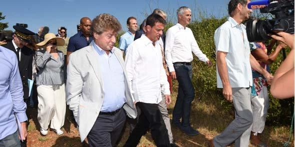D. Alary et M. Valls, lors du déplacement du Premier ministre à Vauvert le 11 août