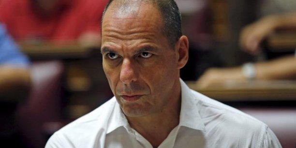 Dans un entretien accordé mercredi en Grèce et publié samedi dans Le Monde, l'ancien ministre avait déjà expliqué considérer le troisième plan d'aide à la Grèce comme une capitulation d'Athènes.
