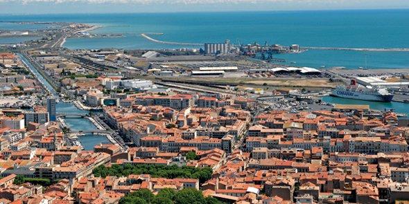 Le littoral languedocien, comme Sète dans l'Hérault, est un territoire très prisé pour le marché des résidences secondaires.