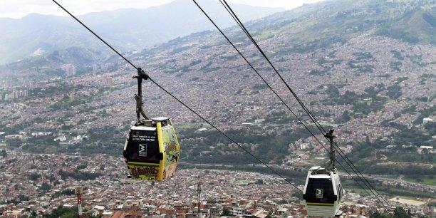Si l'on arrive à faire en sorte que le bien commun qu'est la cité soit « investi » par les citoyens, à faire en sorte qu'il y ait une identification du citoyen avec sa ville, alors on a déjà fait un grand pas vers la ville intelligente. L'exemple de Medellin est à cet égard particulièrement parlant, mais il y en a d'autres.