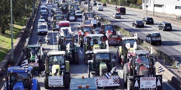 Plus de 1.500 tracteurs ont débarqué à Paris.