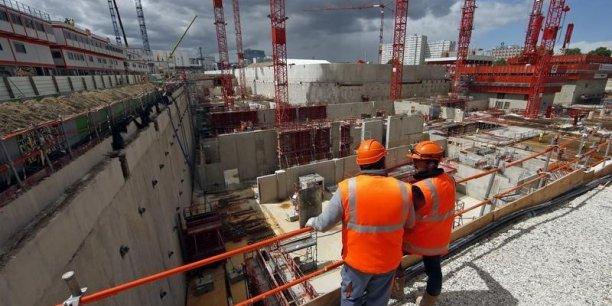 Les créations d'emplois dans le secteur tertiaire au troisième trimestre permettent de compenser les pertes dans l'industrie et la construction.