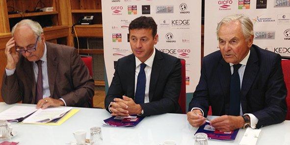 Pierre Goguet, président de la CCI de Bordeaux, Laurent Marti, président de l'UBB, et Bernard Magrez
