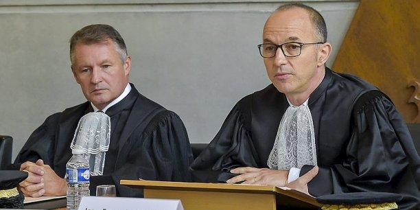 Jean-François Monteils, à droite, à côté du vice-président Jean-Noël Gout, ne cache pas que la situation budgétaire picto-charentaise était sans issue.