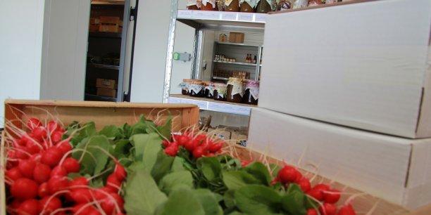 Au carreau des producteur à Rungis, un cageot de radis coûte une douzaine d'euros. Au détail, sur Le Comptoir Local, une botte coûte entre 1,50 et 2,90 euros.