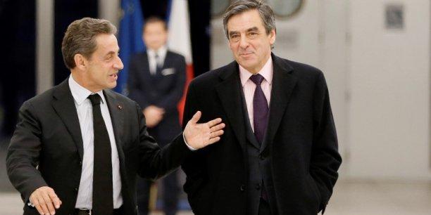 Nicolas Sarkozy et François Fillon ont dominé l'ultime débat de jeudi sur les réseaux sociaux, distançant Alain Juppé. Cette dynamique va-t-elle se traduire au premier tour de la primaire de la droite et du centre, dimanche ?