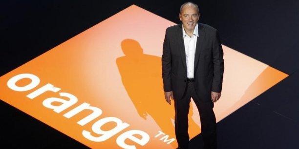Le PDG d'Orange, Stéphane Richard, a obtenu l'autorisation de l'ARCEP pour lancer des expérimentations sur la 5G en France.