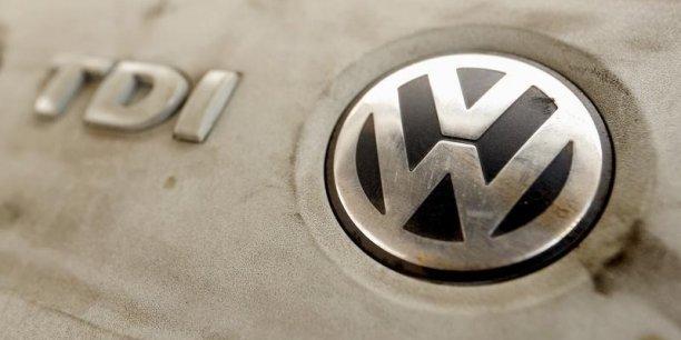 C'est la première grosse chute du groupe allemand depuis l'éclatement du scandale des moteurs truqués.