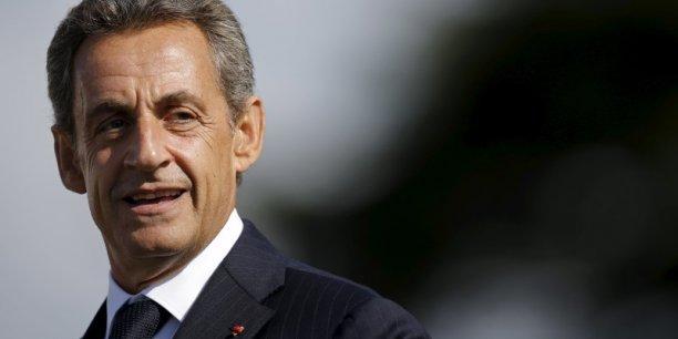 Je suis pour l'universalité des allocations familiales parce qu'elles sont payées par des cotisations qui elles-mêmes sont déplafonnées, a déclaré Nicolas Sarkozy, dénonçant une démolition de la politique familiale.