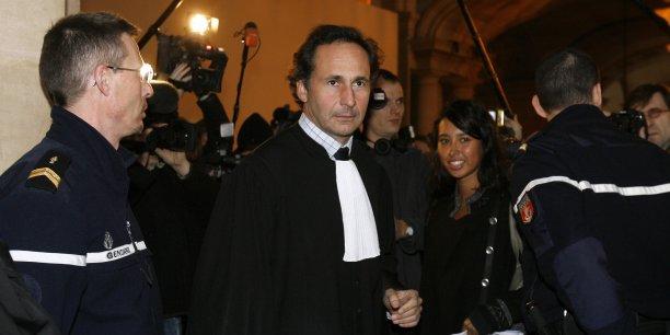 Le bâtonnier de l'Ordre des avocats de Paris a saisi la Cour européenne des droits de l'Homme pour faire censurer la loi sur le Renseignement qui menace, selon lui, le secret professionnel.