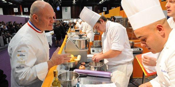 Le chef Philippe Etchebest (à gauche) décroche une étoile pour La Table d'hôtes hébergée au sein de son restaurant bordelais Le 4e Mur