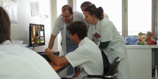 La plateforme de simulation numérique pour la formation de santé MedicActiV a été lancée hier depuis Bordeaux autour de cinq cas pratiques.