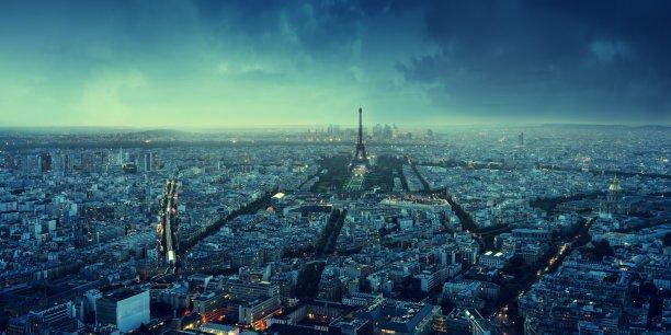 Dans ce « ù », l'accent représente Paris, ville-monde, et son port (Rouen-Le Havre). L'Île-de-France reste la région la plus jeune de France.