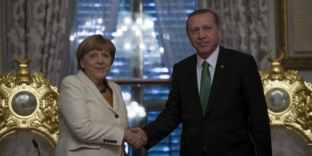 Angela Merkel a rencontré le président turc Recep Tayyip Erdoğan ce samedi à Istanbul.