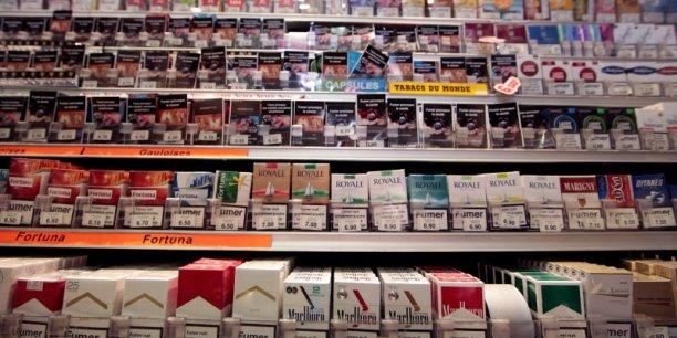 cigarettes le paquet neutre arrive dans les bureaux de tabac. Black Bedroom Furniture Sets. Home Design Ideas