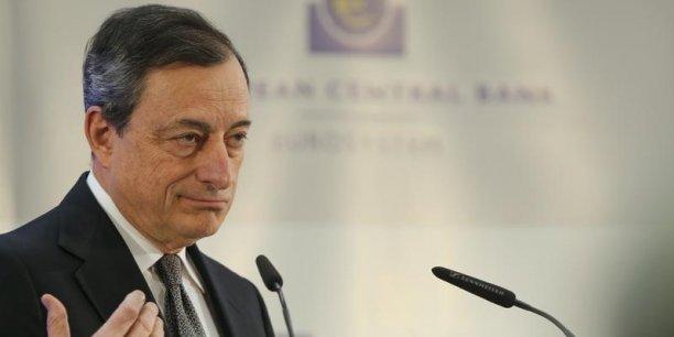 Des taux d'intérêt bas soutiennent la consommation et cela est essentiel pour la reprise de la croissance et l'activité économique, a commenté Mario Draghi.