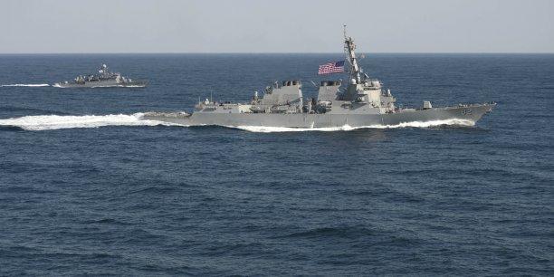 Pékin s'oppose absolument à ce qu'un pays tiers utilise la liberté de navigation et de survol comme un prétexte pour porter atteinte à la souveraineté nationale de la Chine ou à ses intérêts sécuritaires, a lancé Lu Kang, porte-parole du ministère chinois des Affaires étrangères.