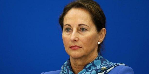 « Cette décision a été prise par un comité technique et je considère que des décisions de cette importance doivent être prises au niveau politique », a estimé Ségolène Royal.