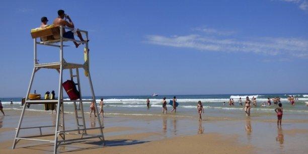 La réduction du nombre de CRS (ici plage du Porge) a augmenté le coût de la surveillance des baignades.